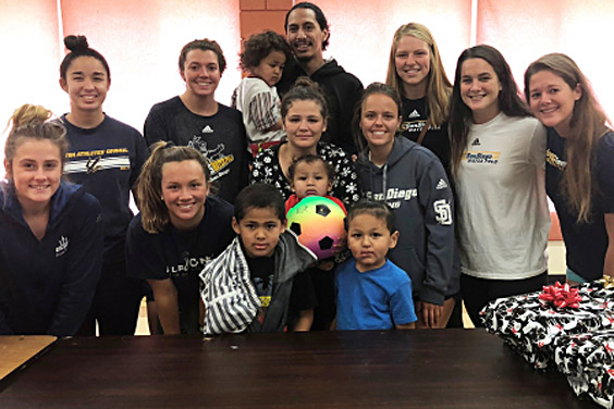 UC San Diego - Triton Athletes Council - Members of UCSD's water polo and rowing teams meet their adopted family