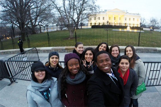 Group of UCDC / UC San Diego students in front of the White House, Washington DC