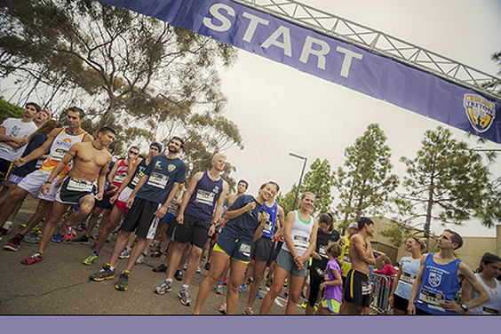 UC San Diego / runners line up at the Triton 5K starting line