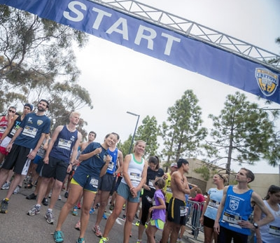 UC San DIego students at starting line of Triton 5K event