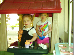 Girls Mesa Family Lounge House